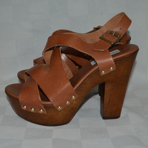 9 Steve Madden Liable Brown Strappy Wooden Heels